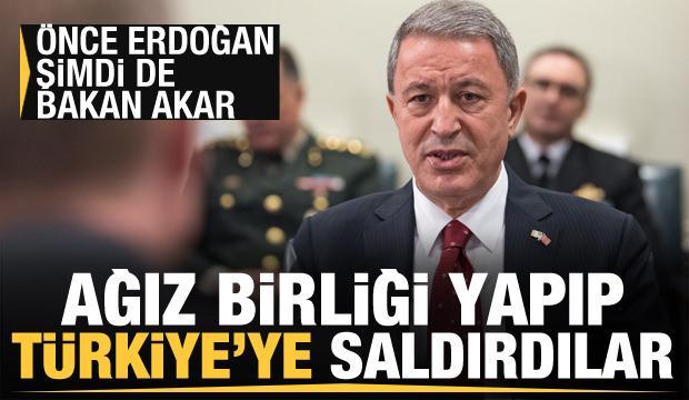 Önce Erdoğan şimdi de Bakan Akar! Yunan basını ağız birliği yapıp Türkiye'ye saldırdı