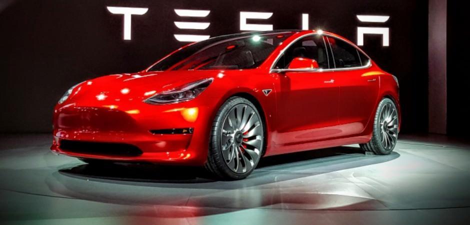 Tesla, dünya devlerini solladı