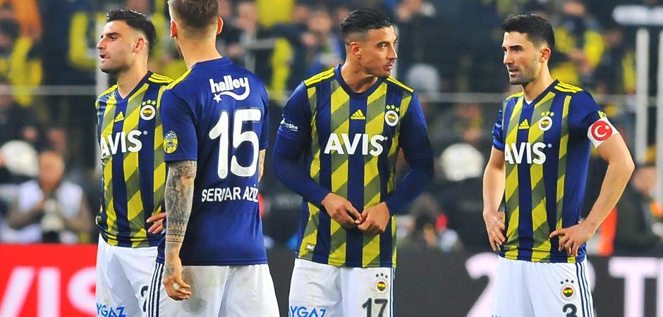 Fenerbahçe'de ilk 'feda' diyen isim!