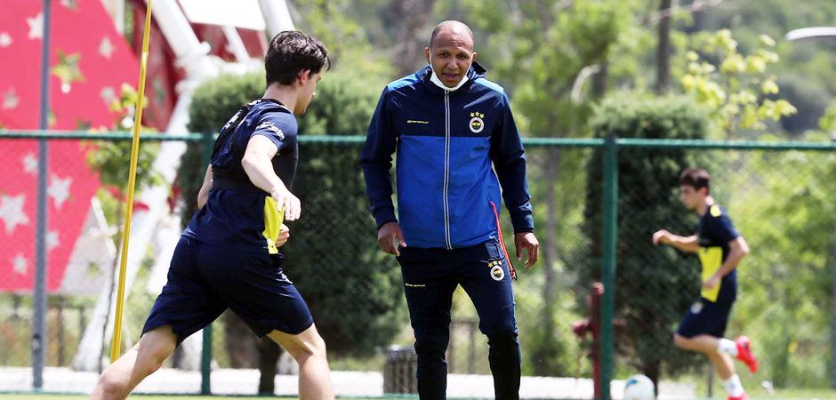 Fenerbahçe'de Aurelio işbaşı yaptı