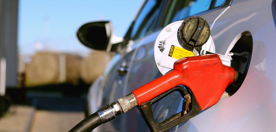 Araç sahiplerini sevindiren haber: Depolar ucuza dolacak