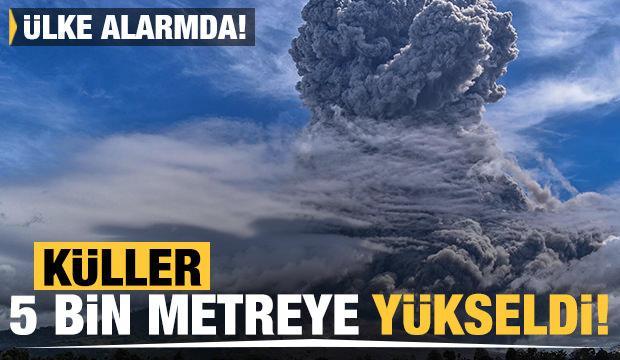 Ülke alarmda! Küller 5 bin metreye yükseldi