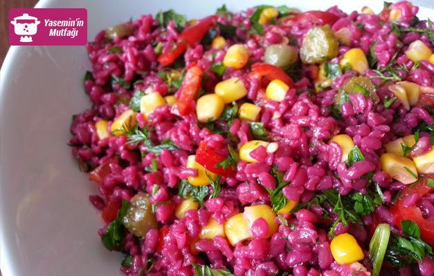 Ekşi sevenlerin favorisi: Şalgam suyuyla bulgur salatası