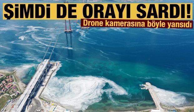 Deniz salyası Çanakkale Boğazı'nı baştan aşağı sardı