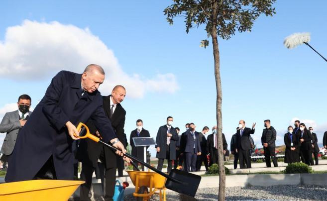 Cumhurbaşkanı Erdoğan ve Aliyev, Zengilan'da Akıllı Tarım Kampüsü'nün temelini attı