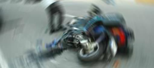 Halk otobüsü motosiklete çarptı: 1 ölü