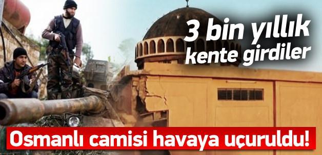 IŞİD 3 bin yıllık kenti dozerlerle yıkıyor